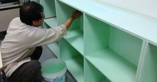 책장과 수납장에 색깔입히기~~